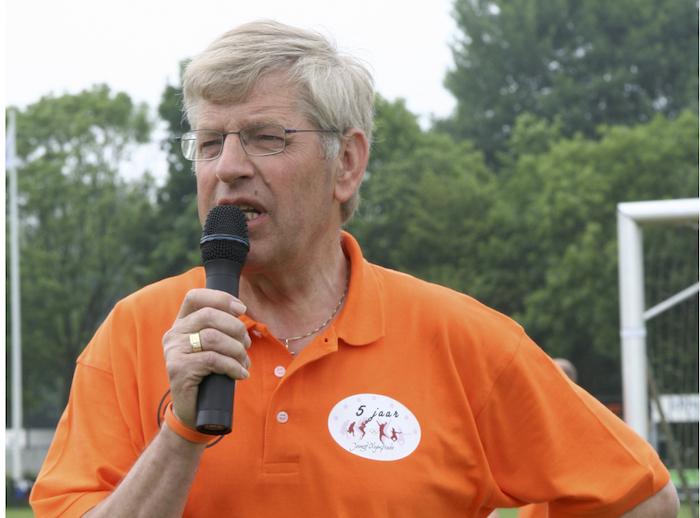 Oud-Jeugdvoorzitter John van den Helder overleden